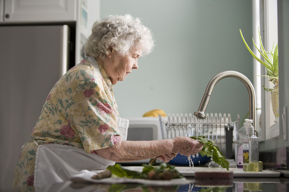 10 Reasons Why You Should Keep Your Aging Parents In Their Own Home